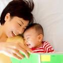 赤ちゃんへの絵本の読み聞かせはいつから?どんな効果がある?